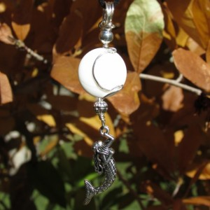 mermaid & howlite -white