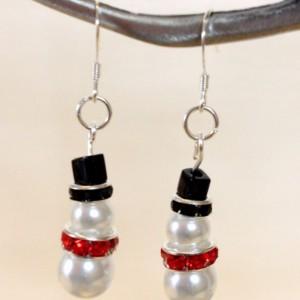 Snowman Earrings, Christmas Earrings, Handmade Beaded Drop Earrings, Dangle Earrings, Holiday Jewelry, Christmas Gift, Stocking Stuffer