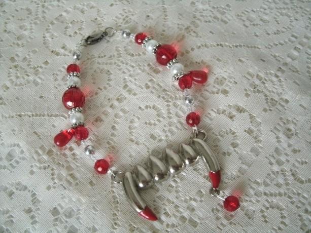 Vampire Fang Bracelet, gothic goth fantasy halloween cosplay rockabilly