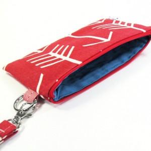Medium Wristlet Zipper Pouch Clutch - Red Arrow