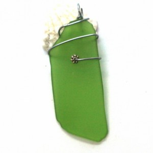 Green glass pendant