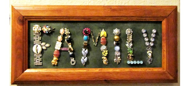 Jewelry Art Sign 'Family'