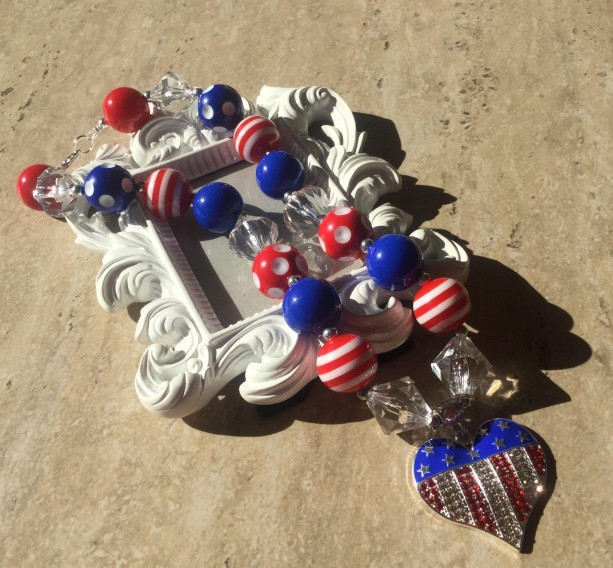 Patriotic Chunky Necklace, 4th of July Bubble Gum Necklace, July 4th Chunky Necklace, Holiday Necklace, Holiday Jewelry, Red, White