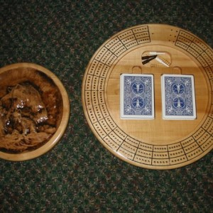 Bear Family 3 track round cribbage board with storage