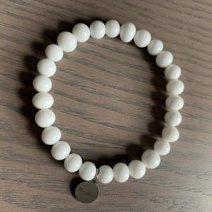 Men's stretch white glass beaded bracelet 7-8mm