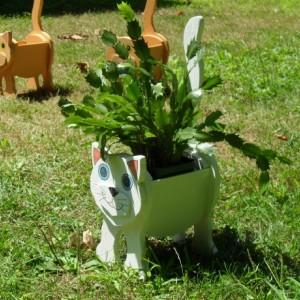 """Snowball"" White cat planter box"