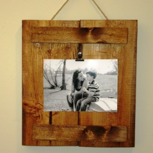 Reclaimed Wood Frame, Photo Clipboard, 4X6 or 5X7 photo frame, rustic stained wood pallet photo frame