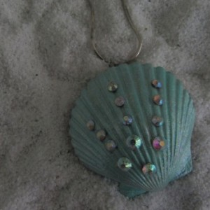 Shell Pendant Pastel Light Green with Crystals