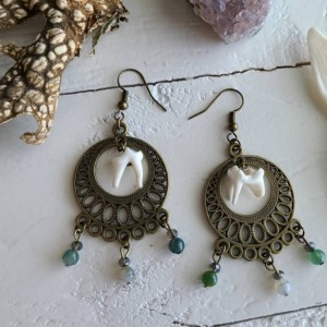 Wunderland jewelry // Coyote tooth earrings // one of a kind // summer boots// jasper // Coyote// earrings // spring