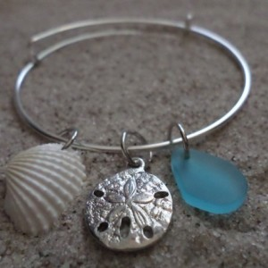 bangle bracelet w.sea glass, shell & charm