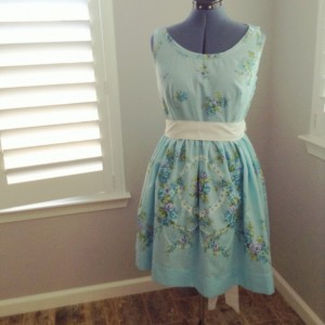 Tea Dress - Size 14   (Bust 40.5 W 32.5) vintage sheet