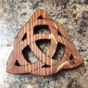 Wooden Celtic Trinity Knot Trivet, Handmade Trivet, pot holder
