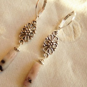 Earrings made with Pink kiwi jasper gemstone, silver tone flower connector with silvertone lever back earrings.#E00293