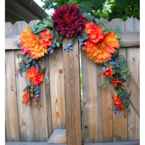 Decorative Flower Arrangement Wreath/Centerpiece