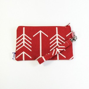 Medium Wristlet Zipper Pouch Clutch - Red Arrow