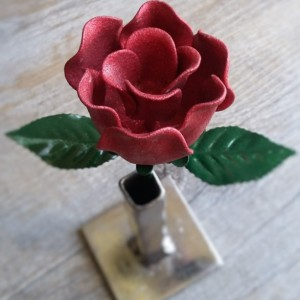 Red Shimmer Steel Rose