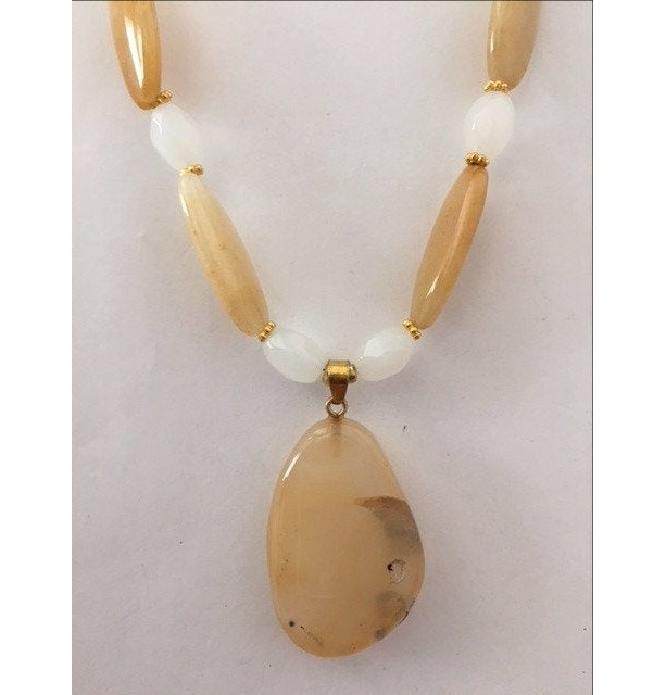 Yellow Agate Gemstone Beaded Necklace with Pendant