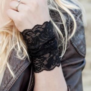 Black Lace Wrist Cuff