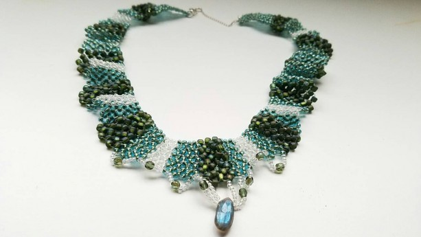 Elegant Hand-Woven Labradorite and Beaded Necklace