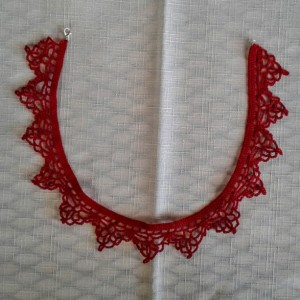 "NeckLACE in Bright Red (17"")"