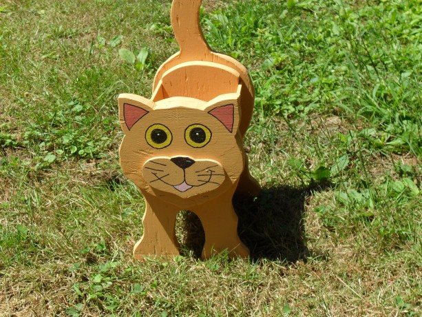 """Pumpkin"" cat planter box"