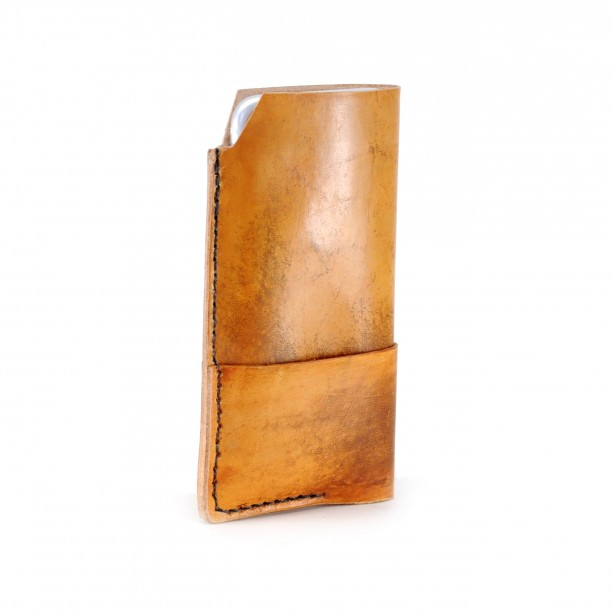 iPhone 6 Leather Wallet in Distressed Tan