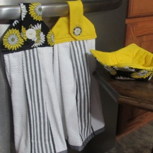 Microwave bowl Pot holder and Matching Kitchen Towels
