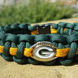 Greenbay Packers Paracord Bracelet NFL Officially Licensed Charm
