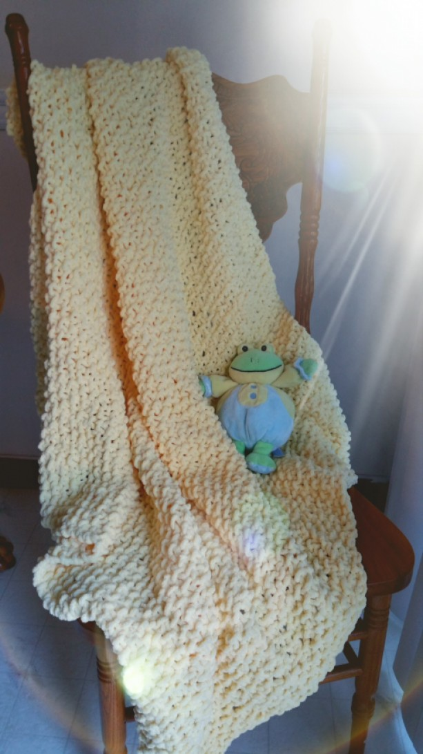 Chenille baby blanket hand knit - seed stitch