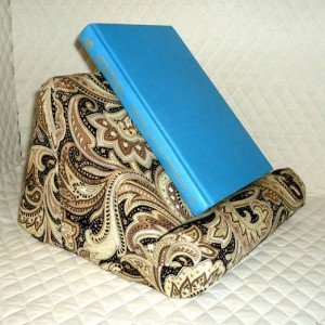 ReadCliner Padded Book or Tablet Stand for Your Lap