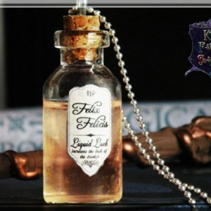 Felix Felicis, Liquid Luck Potion, Harry Potter Potion Necklace, Harry Potter Jewelry, Harry Potter Necklace, Potion necklace, liquid luck, potion vial