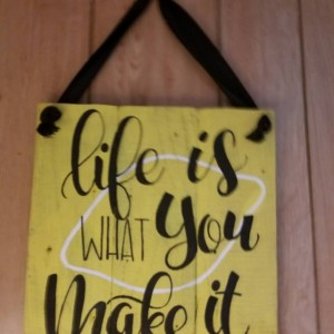 Lemon kitchen sign, life is what you make it lemon sign, lemonade decor, kitchen lemon, life gives you lemons, custom lemons wood sign