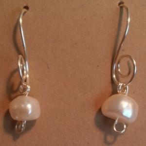 Wire Pearls Earrings