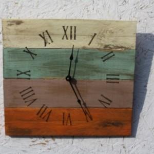 Beach House Clock. Pallet Wood.  Reclaimed Wood.  Custom Order.  Warm Colors.