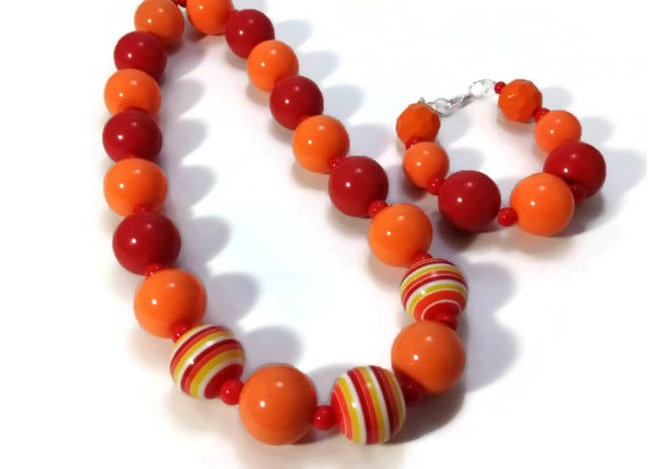 Baby chunky necklace orange and red with matching bracelet
