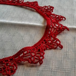 "NeckLACE in Bright Red (16"")"