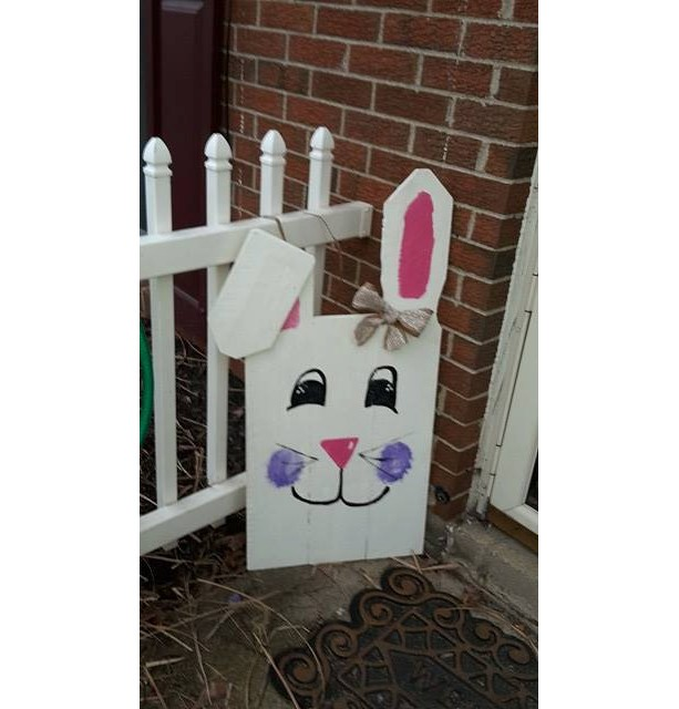Easter decoration easter bunny pallet sign easter pallet for Rabbit decorations home