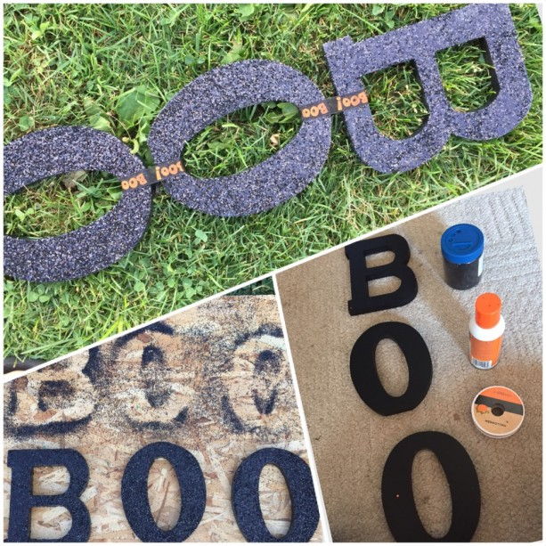 """Boo"" Hanging Sign"