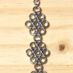 """The Mini """"Extended Flower"""" Chainmaille Bracelet"""
