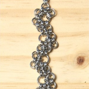 "The ""Wobble"" Chainmaile Bracelet"