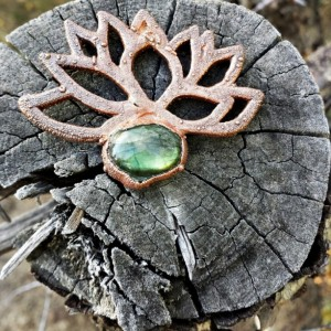 Green Lotus Labradorite Ornament