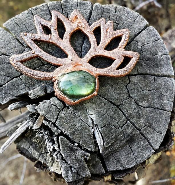 Green Lotus Labradorite Ornament