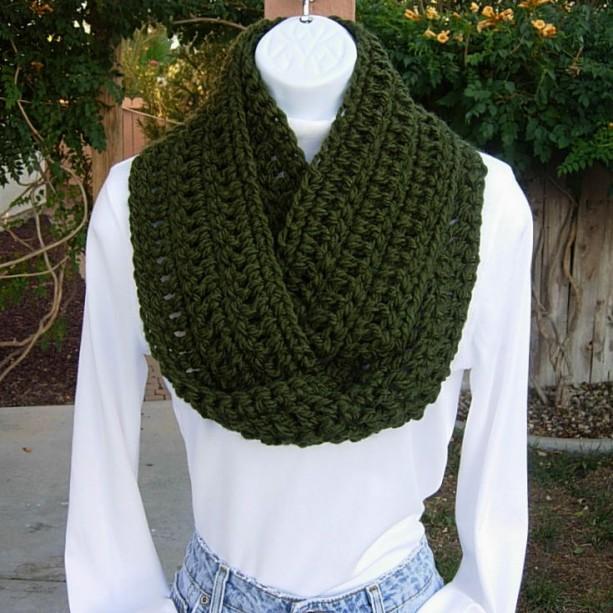 Dark Forest Green Soft Crochet Knit Infinity Loop Cowl