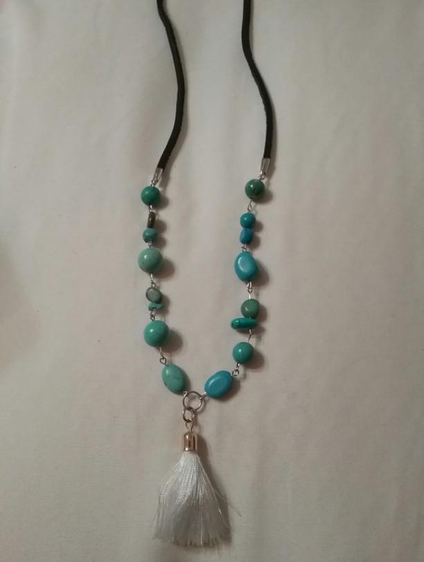 emerald bead necklace