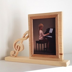 Personalized 5 x 7 Picture Frame with Carved Music Symbol, Customized Music Symbol Photo Frame