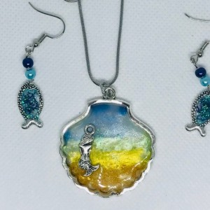 Sterling silver Seashell Mermaid on beachshore and fish earrings