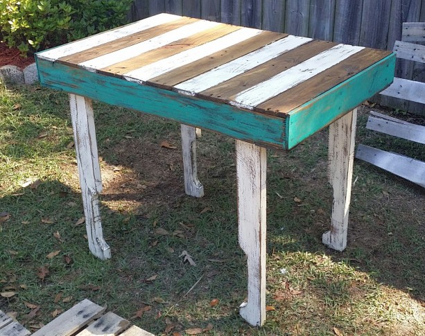 Handmade Rustic Reclaimed Wooden Pallet Table