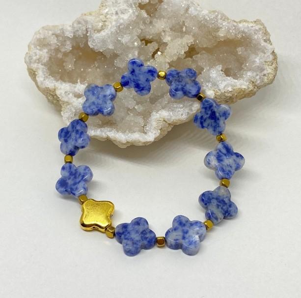 Denim and gold quatrefoil sodalite stretchy bracelet