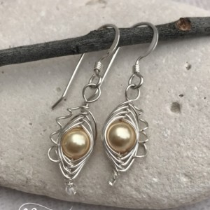 One-Pea Sweet Pea Pea-in-a-pod style Earrings
