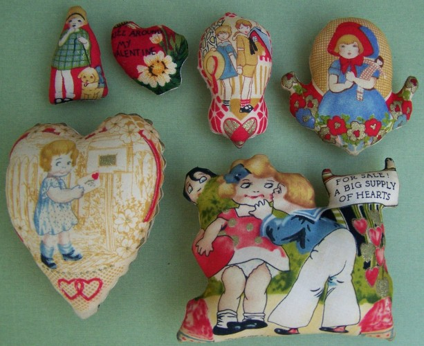 Set of 6 Primitive Valentine Day Ornies